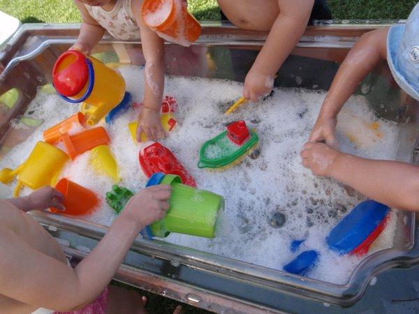 Spielen-mit-Wasser-LL